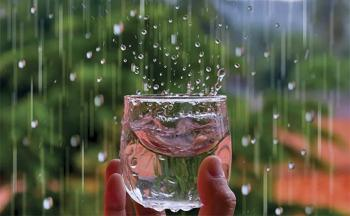8 Manfaat Air Hujan Untuk Kesehatan Tubuh Serta Cara ...